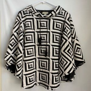 Live and Let Live Black/White Quilted poncho L